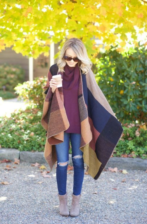 blanket poncho outfit, How to dress chic and warm in winter http://www.justtrendygirls.com/how-to-dress-chic-and-warm-in-winter/