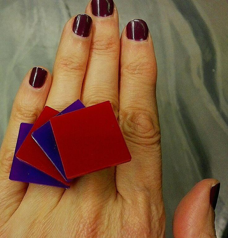 Plexiglass poker