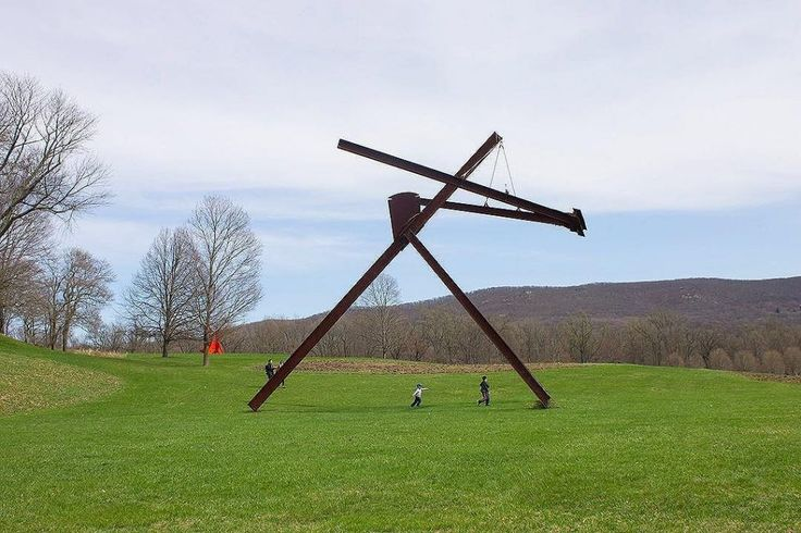 Enjoy #ArtinNature at #StormKing today. We are open from 10am to 5:30pm. #SpringatStormKing ⠀ .⠀ .⠀ .⠀ .⠀ Mark di Suvero, ⠀ 'Mon Père, Mon…