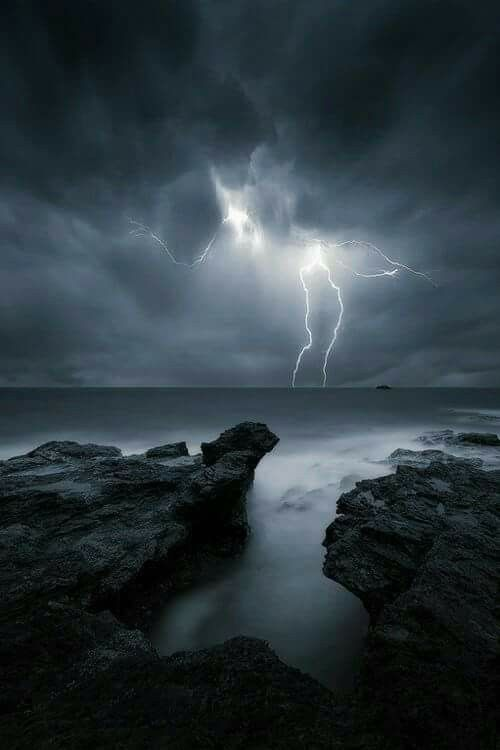 Beautiful Lightning At Night Scenery