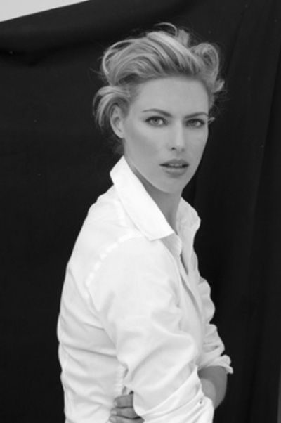 Carolyn Murphy with His white shirt *¨*•⊰✿