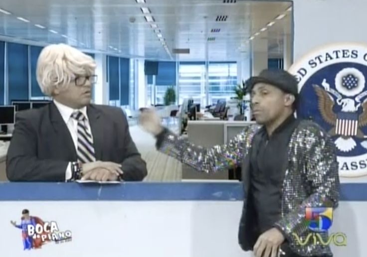 El Bachatero El Comejen tambien fue a pedir su Visa. Boca de Piano es un Show
