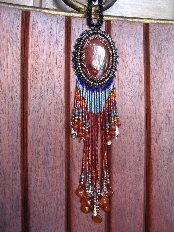 Ricamo di colore rosso indiano tribù tallone di ARTSTUDIO51