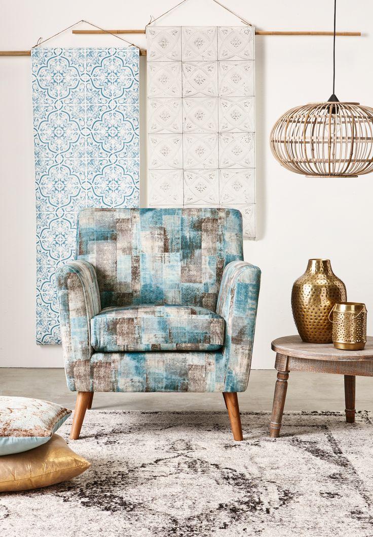 Haal retro in huis met fauteuil BARI en gouden accenten! #retro #vintage #wonen #interieur #kwantum #fauteuil #goud