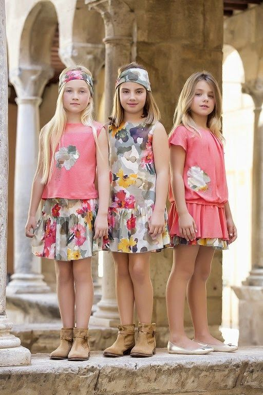 Hoy os traemos una firma con un estilo sencillo, juvenil, elegante y muy, muy femenino.     El Blog se llena con la nueva colección Pri...