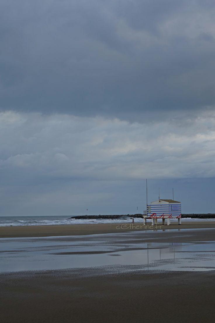 Gruissan plage des chalets....poste de secours