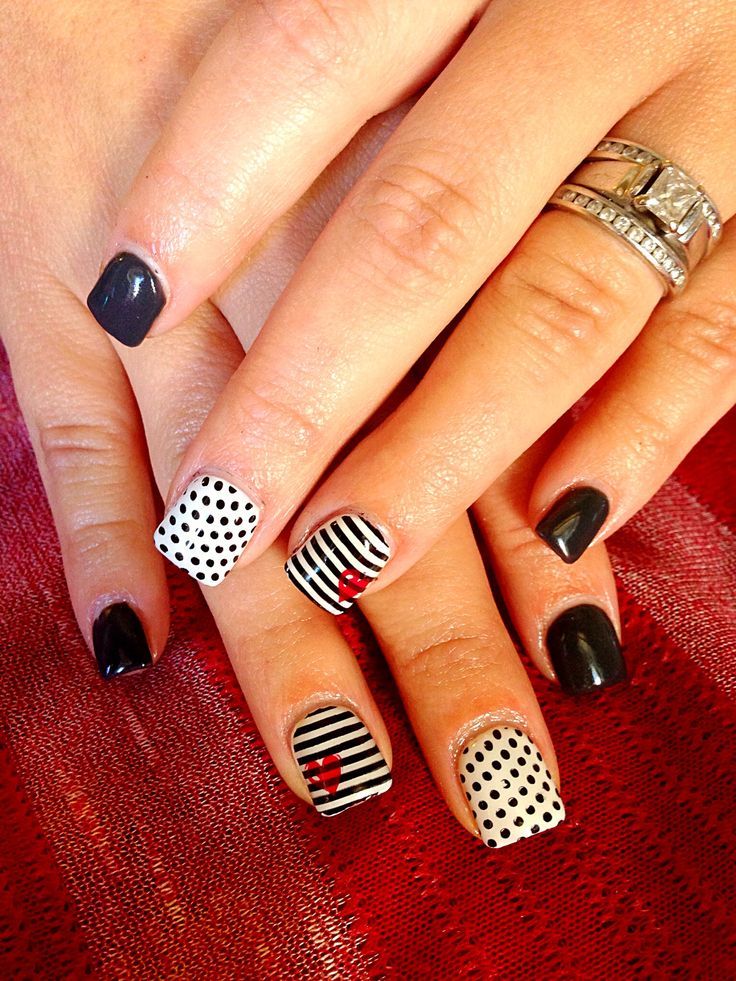 Polka Dots and Striped Nail Art.....I could do this Bucs style.....wheels turing....