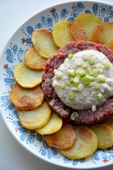tartaar-americain-met-tonijnsaus-en-gebakken-aardappelen-2
