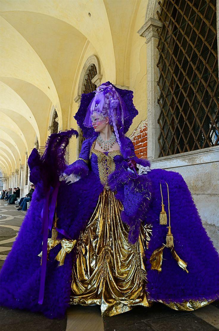 | Venice Carnival 2014 - Carnevale di Venezia 2014 | Giovedì e Venerdì grasso nelle calle di Venezia per fotografare le sue splendide maschere carnascialesche