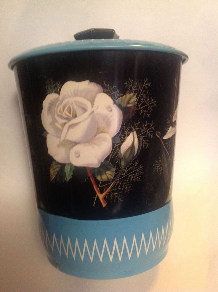 HEXAGON WHITE ROSE ORCHID Black & Blue Tall floral BISCUIT TIN melamine knob vtg