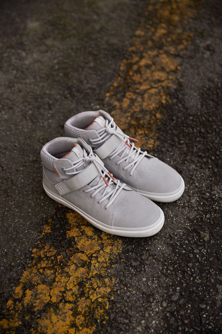 Check out these easy to wear, grey sneakers #urban #grey #laceup #velcro #men #menstyle #menshoes #sneakers #trainers