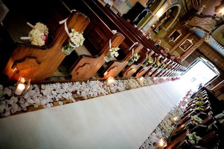 Dekoracja kościoła. Przejście do ołtarza.