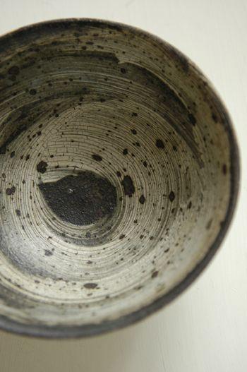 余宮隆作 いぶし刷毛目5寸鉢 の画像|-寝言-