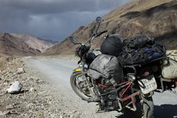 Royal+Enfield+Hiring+Service+%28Paper+Required%29