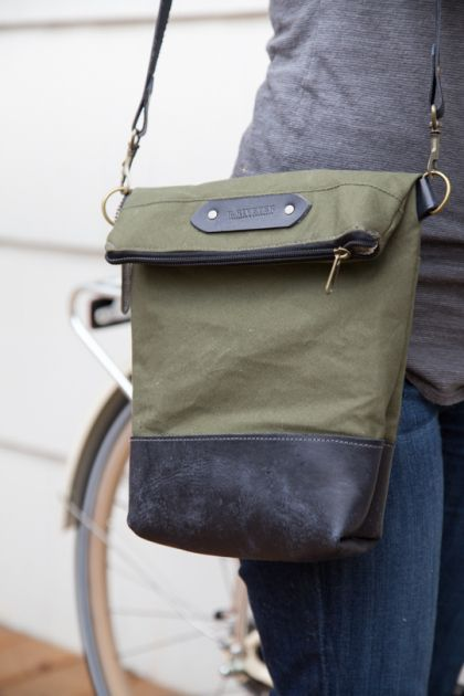 R. Riveter, handmade bags by military spouses for the cause