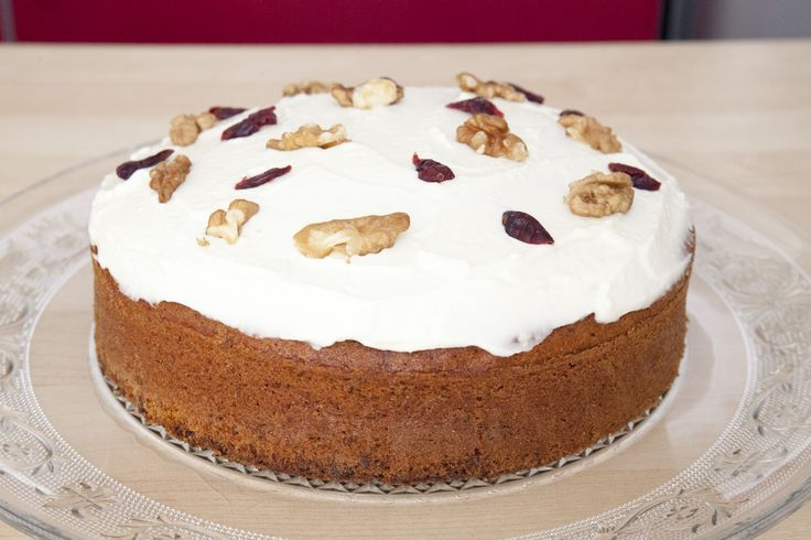 Classic Carrot Cake : easy to make and so delicious ! love the cinnamon <3