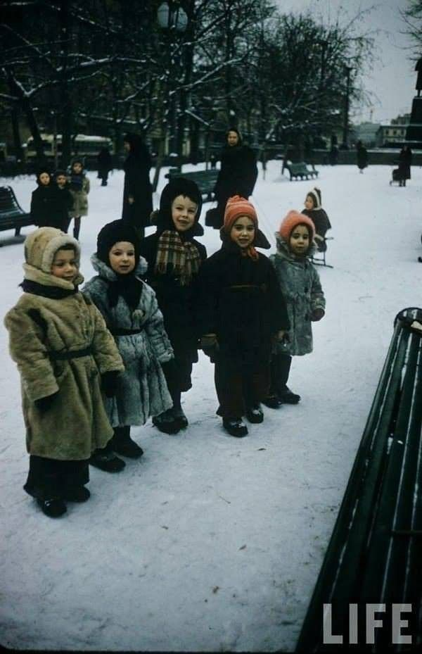 1959 Moscow by Carl Mydance (Москва и москвичи глазами Карла Миданса) | LIFE