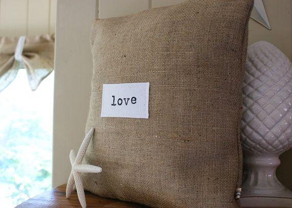 bild der bdfcccdcffeb porch decorating scatter cushions