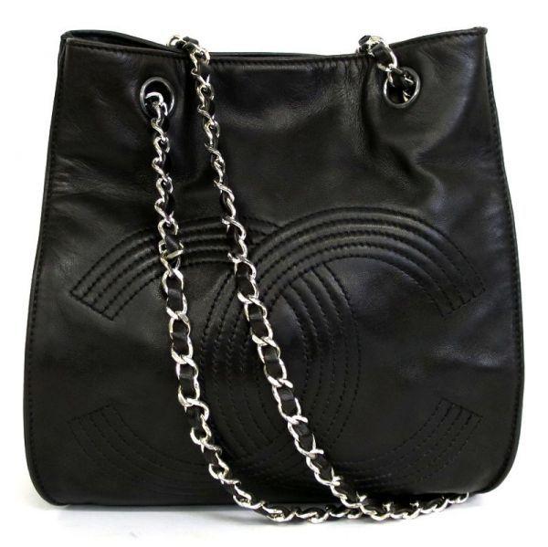 【中古】CHANEL(シャネル) 巾着型 チェーン ショルダー バッグ ラムスキン ブラック シルバー金具/巾着型の女性らしいフォルムのショルダーバッグ。シルバー金具が派手すぎず服装も選ばずお使いいただけます。/新品同様・極美品・美品の中古ブランドバッグを格安で提供いたします。
