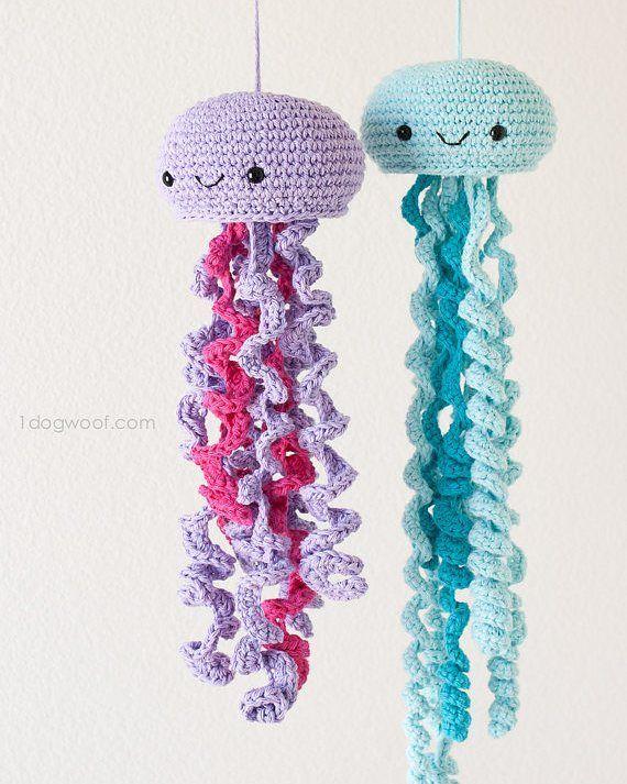 patrones.crochet El patrón de estos simpáticos pulpos los tenéis en la tienda de Etsy de @1dogwoof