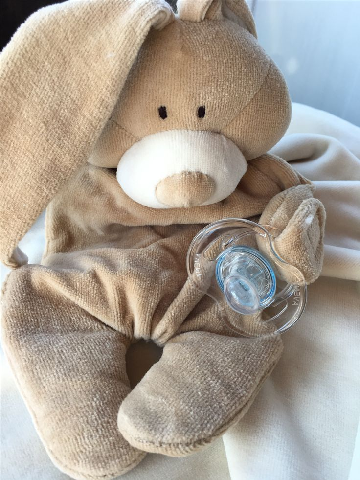 Searching for a soft and fluffy comforter? Our bunny rabbit is an excellent sleeping friend for your little one, is capable of holding a dummy in its paw making sure that you will never lose that dummy again!