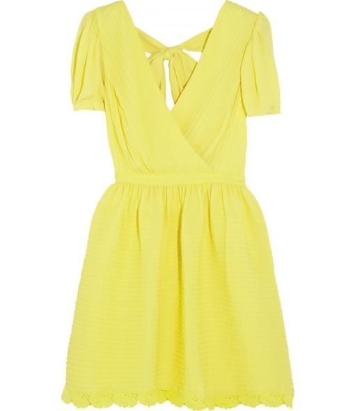 I am loving this cheery yellow dress. OK, summer come on back, I'm ready! :)