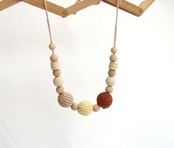 Breastfeeding Crochet necklace for Mother  wooden by LaFiabaRussa