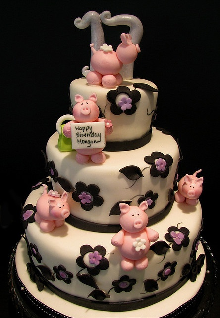 Piggy Birthday Cake by The Couture Cakery, via Flickr