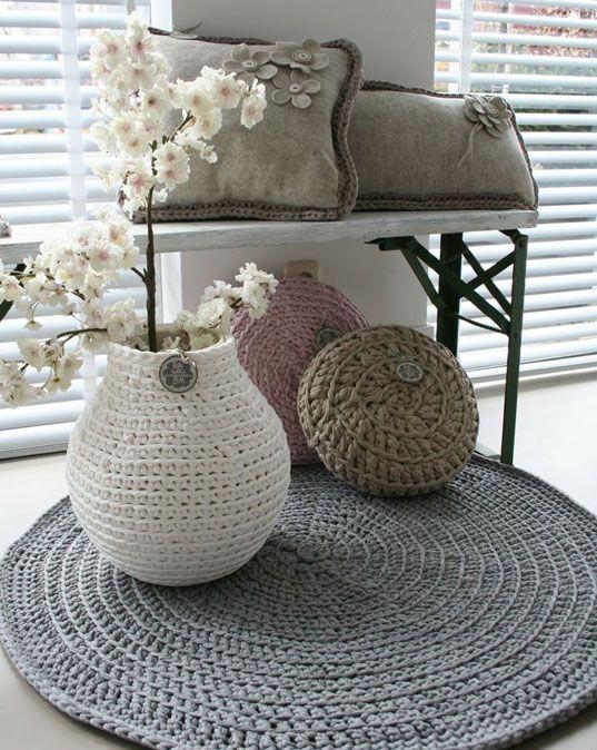 17 meilleures images propos de crochet sur pinterest motif gratuit trapillo et fleurs au - Decoratie maison gratuit ...