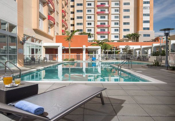 Residence Inn West Palm Beach Downtown/CityPlace Area - Outdoor Pool