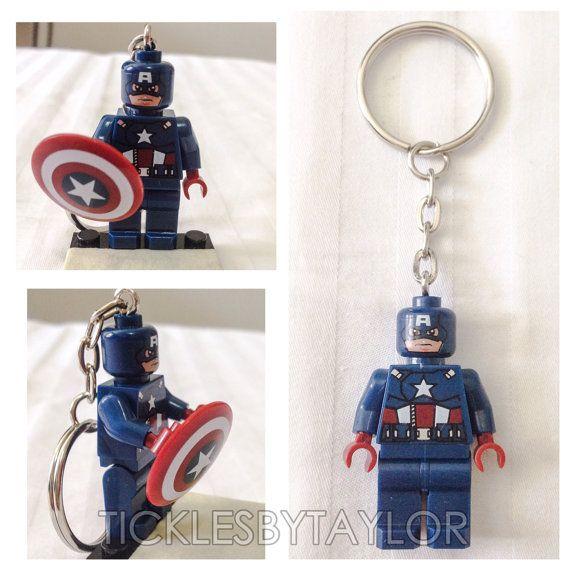BOGO Buy 1 Get 1 Promo ! LEGO ® Captain America VENGEURS Keychain, Keychain de Lego de super-héros, gratuit Lego ® figurine Keychain cotillons de cadeau