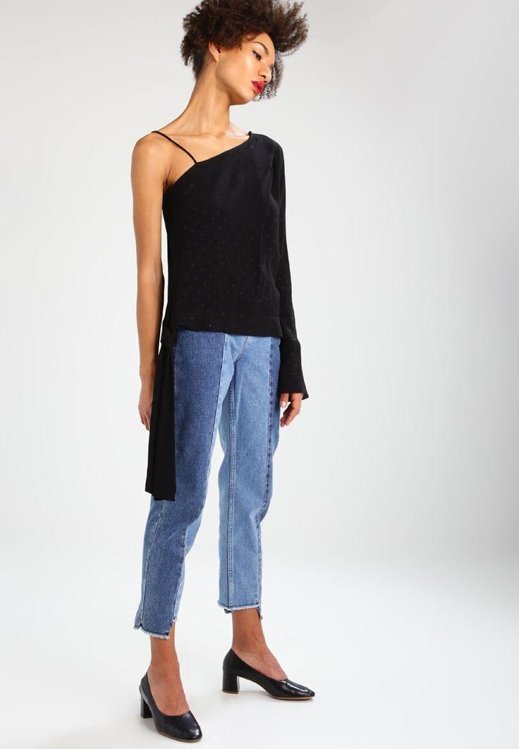 ¡Cómpralo ya!. Topshop BOUTIQUE Blusa black. Topshop BOUTIQUE Blusa black Ofertas   | Material exterior: 100% viscosa | Ofertas ¡Haz tu pedido   y disfruta de gastos de enví-o gratuitos! , blusas, blusa, blusón, blusones, blouses, blouse, smock, blouson, peasanttop, blusen, blusas, chemisiers, bluse. Blusas  de mujer color negro de Topshop BOUTIQUE.