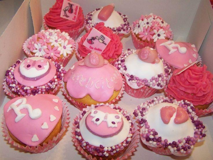 cupcakes | Verschillende roze cupcakes | Taarten maken, taart bakken en cupcakes ...