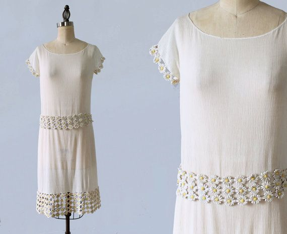 Unusual and authentic 1920s era flapper dress! Lightweight, airy textured ribbed cotton, ever so subtly sheer. Classic flapper silhouette and
