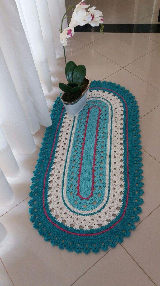Tapete passadeira em crochê medindo 100 cm por 50 cm. Lindo modelo, que permite opção de ser confeccionado nas mais variadas cores e tamanhos.