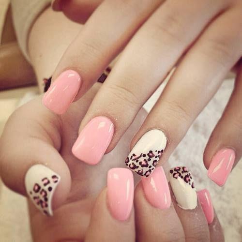 Rosa palo, nude con manchas de leopardo
