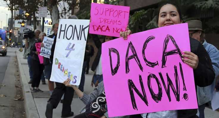Feds resume accepting renewals from 'Dreamers' - Politico