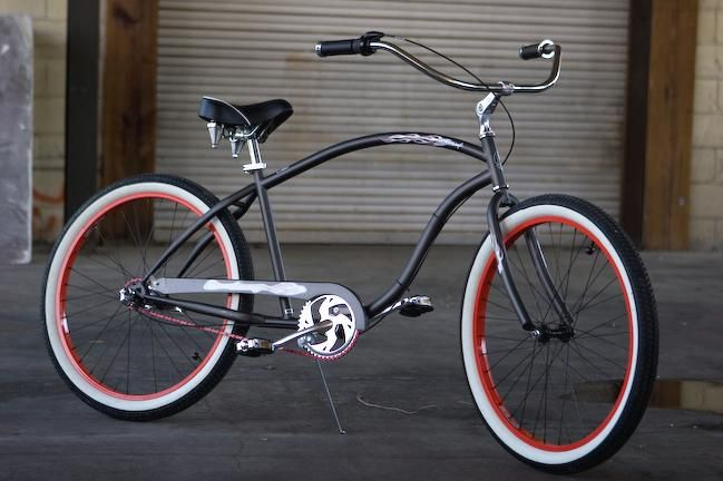Photos of a customized Firmstrong Chief Cruiser Bicycle