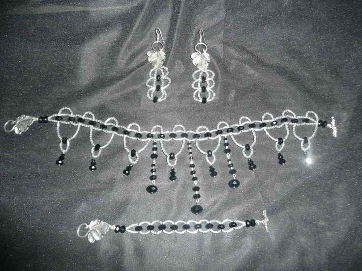Moulin Rouge necklace set