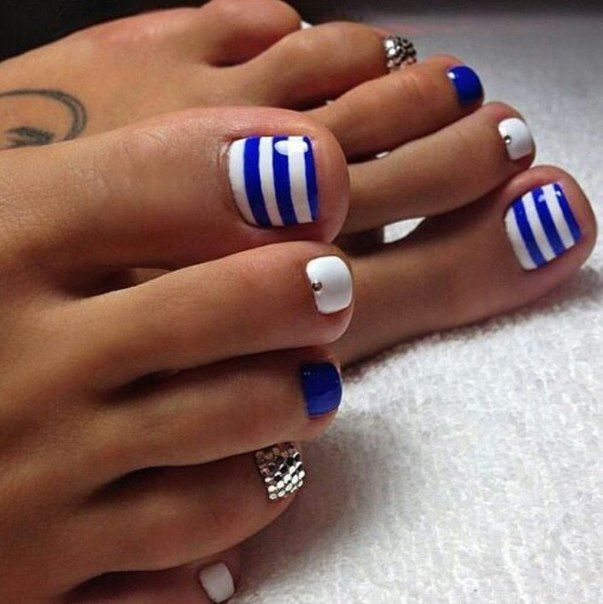 Blue & white stripes | Toe nails painted | Pedicure nail ...