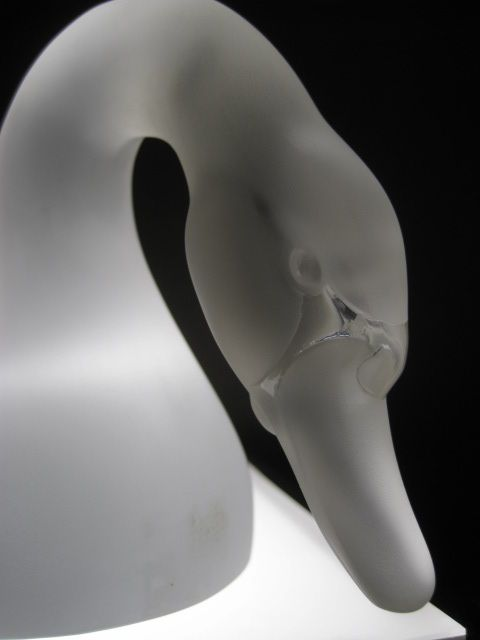 Lalique Crystal Swan, Art Glass