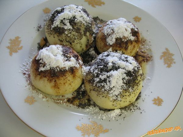 Do you have a sweet tooth? Try buchty na pare, my favourite sweet meal - Slovakia dough filled with plum jam and sprinkled by poppy and sugar. Yummy!