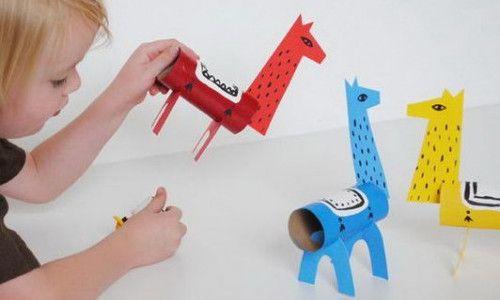 トイレットペーパーの芯は、すぐにたまるので子供のおもちゃを手づくりする際にも大活躍の素材ですね!今回は、そのトイレットペーパーの芯を使って、見ているだけで大人まで楽しめそうな、可愛くておしゃれな手づくりおもちゃのアイデアをご紹介します♪