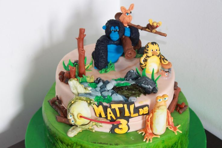 The Jungle Bunch Cake