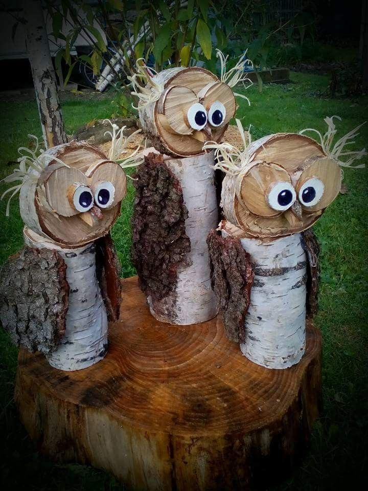 Outdoor indoor wood reclaimed recycle upcycle owl bird sculpture holidays Xmas Christmas thanksgiving fall yard porch deck