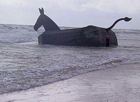 Bunker-Mule (1995) by Bill Woodrow, Blåvand-Oksby, Denmark - 20020429.jpg