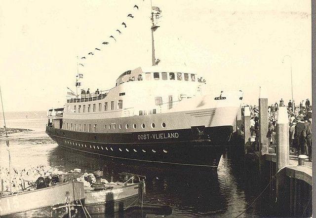 1ste aankomst veerboot Oost-Vlieland - 1962