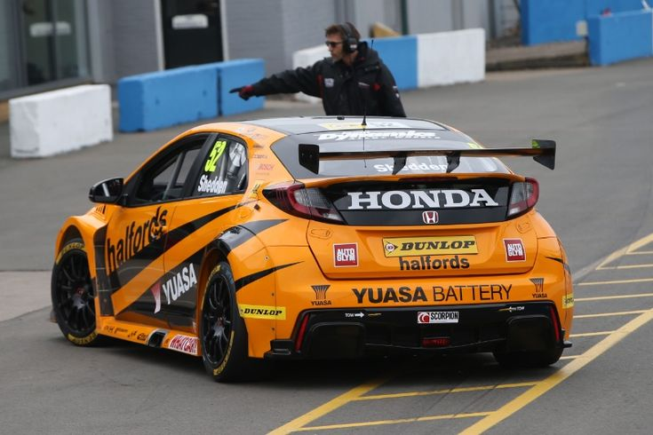 Gordon Shedden (GBR) Halfords Yuasa Honda Racing, Honda Civic Type R