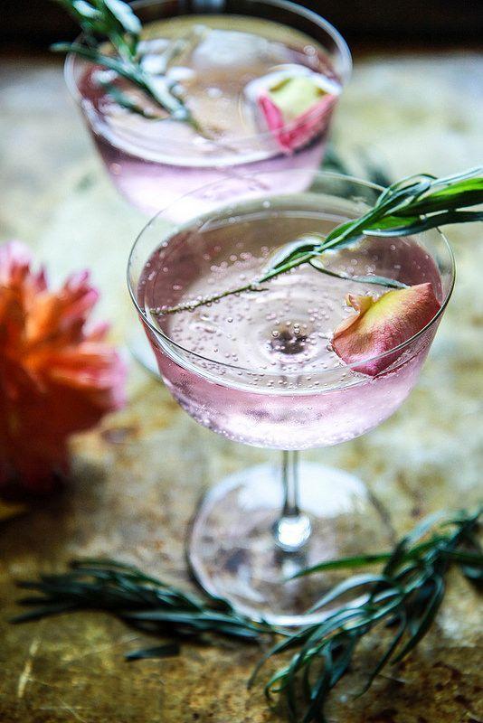 Gin lemonade with rose and tarragon