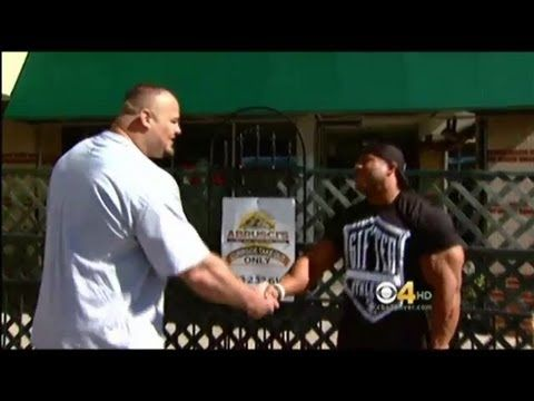 Meeting of Phil Heath and Brian Shaw World's strongest man meets Mr Olympia.